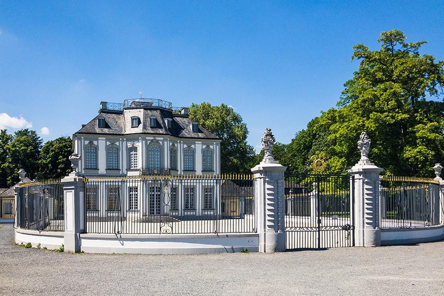 Замок Фалькенлуст